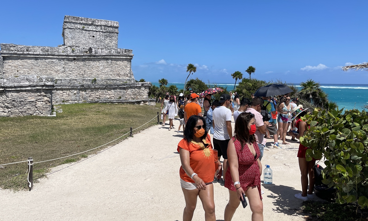 What are the restrictions for foreign tourists in Mexico right now?